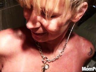 Busty puma fodido no chuveiro bts