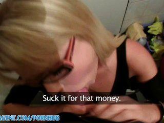 Publicagent hd blonde cafe garçonete é fodido no banheiro pessoal por dinheiro
