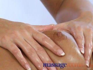 Salas de massagem menina tem sessão com lésbica loira
