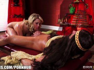 Fit bombshell mia malkova é esfregada para baixo e fodido por seu massagista