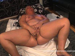 Chubby swedish woman masturbates junte-se agora para assistir a cena completa