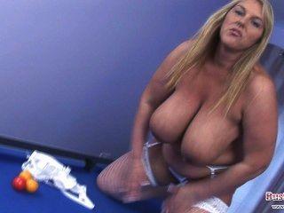 Carol marrom dildo pounding pussy