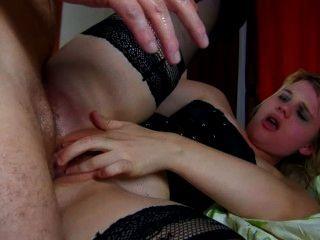 Camwhore francês é punido com um galo gordo em seu traseiro