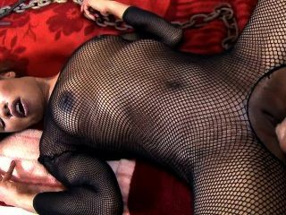 Ebony babe femdoms seu marido preguiçoso e recebe anal