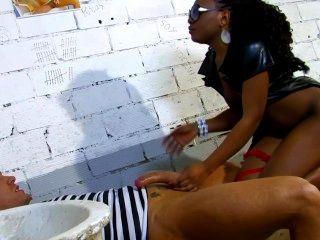 Bobina negra espanhola fode seu prisioneiro