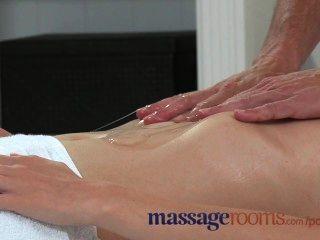 Salas de massagem garota tímida gosta de torta de creme em seu buraco apertado
