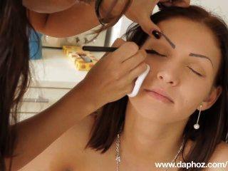 Romanian girl nude selena entrevista e cenas quentes do makeover erótico