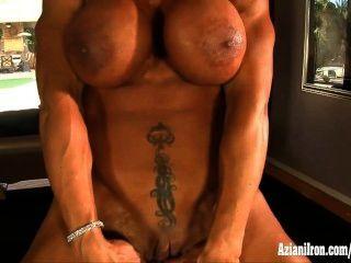 Músculo pornô atriz rhonda lee se espalha e joga com seu clit