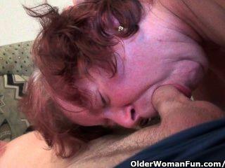 Chubby etapa avó com grandes mamas e pussy peludo gets fucked