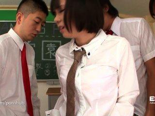Erito schoolgirl dá sua apresentação oral