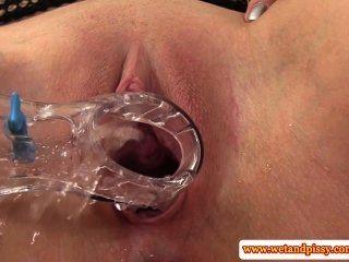 Urine loving eurobabe manipula espéculo