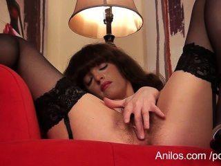 Primeiro vídeo orgasmo para peludo pussy milf