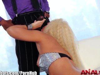 Analacrobats sean michaels fode blonde em burro