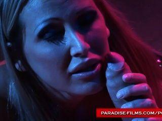 Filmes paraíso brilhante usando seu escravo de sexo