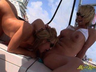 Lesbiana, adolescentes, boating, gangbang, hd