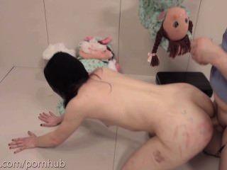 Masoquista recebe extrema destruição anal brutal e suga burro