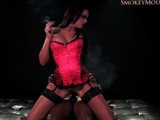 Emma butt fumando sexo hd