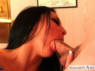 Busty brunette audrey bitony fodendo um pau grande
