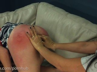 Amador fica anal bruto de médico sádico e enfermeira com strapon gigante
