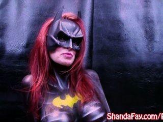 Fay do shanda do milf canadense!É batgirl \u0026 joga com o vibrador grande!