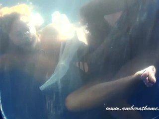 Blowjob subaquática, sexo e cum