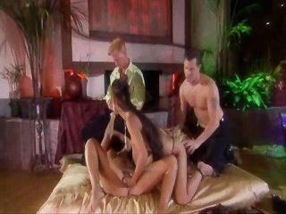 Eva angelina em uma esposa de classe alta trocando foursome