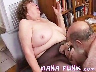 Nana funk pussy lambeu e sopra galo velho