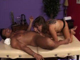 Dyanna lauren está de volta como uma massagista com tesão