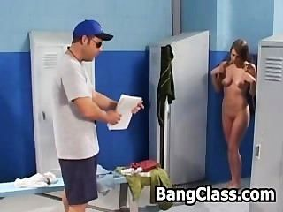 Menina, surpreendido, dela, ginásio, professor, masturbating, lockeroom
