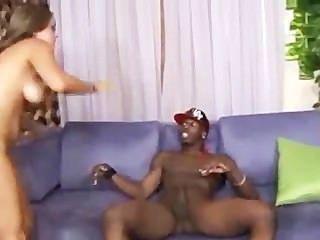 19 anos velhos cummings katie ama salsicha preta em seu bichano