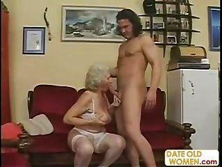 A avó velha scottish obtem fodida