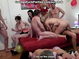 Festa de sexo do grupo incrível