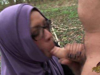 Hitchhiker árabe deve sugar e ficar ass fucked