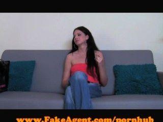 Fakeagent quente amador em entrevista de elenco!