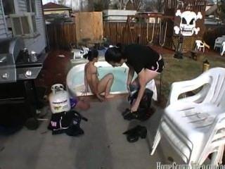 Threesome selvagem de homegrownvideo com meu bff dos wifes