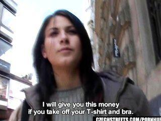 Checa ruas veronika golpes dick por dinheiro