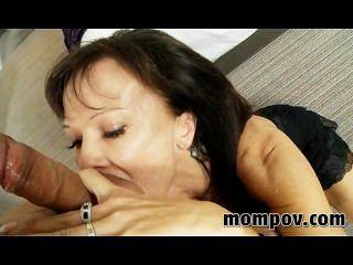 Swinger milf tentando pornô pela primeira vez