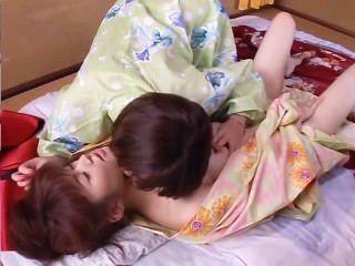 Hot spring orgy retiro cena 1