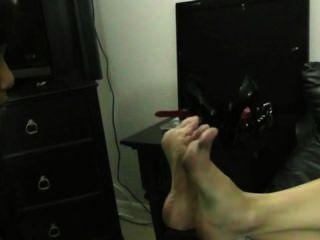 Humilhação pé menina escrava