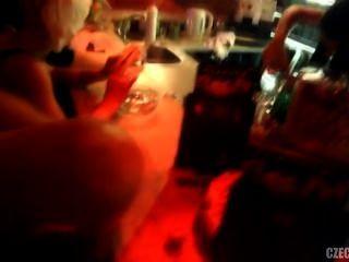 Babes checos estavam fodendo no clube nocturno doce paraíso em praga
