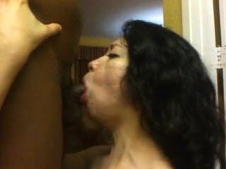 Latina engole bbc porca
