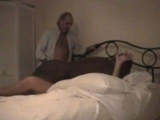 Cuckolds esposa fodido duro pelo touro preto
