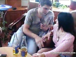 Bêbado prostituta fode 2 estranhos