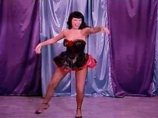 Uma dança burlesca com a página betty