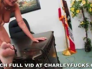 Charley, perseguição, marca, madeira, escrivaninha