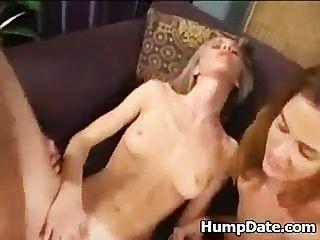 2 hot mulheres andar de galo e trocar cum