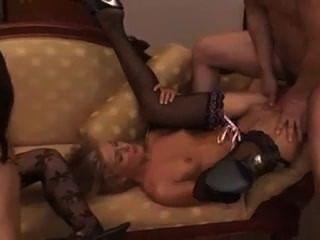 3 sluts compartilham um grande galo