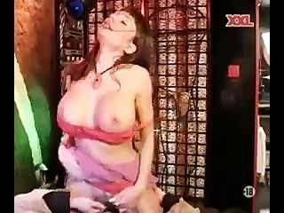Elysee paradise milf com grandes mamas fazer anal