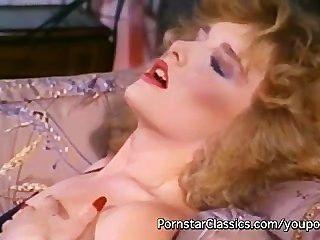 Slutty senhoras lésbicas 80s