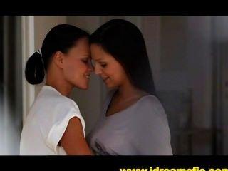 Assustador camerman assiste duas lésbicas belezas foda